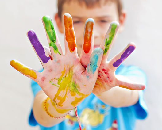 hand painting play therapy